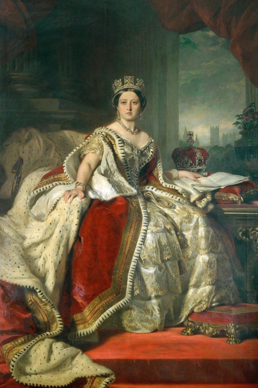 Портрет в образе королевы по фото